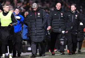 They are all looking at you  Arsene....